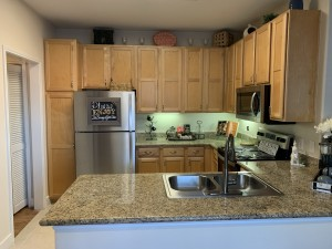 1 Bedroom Apartments for rent in Southwest Houston, TX - Model Kitchen